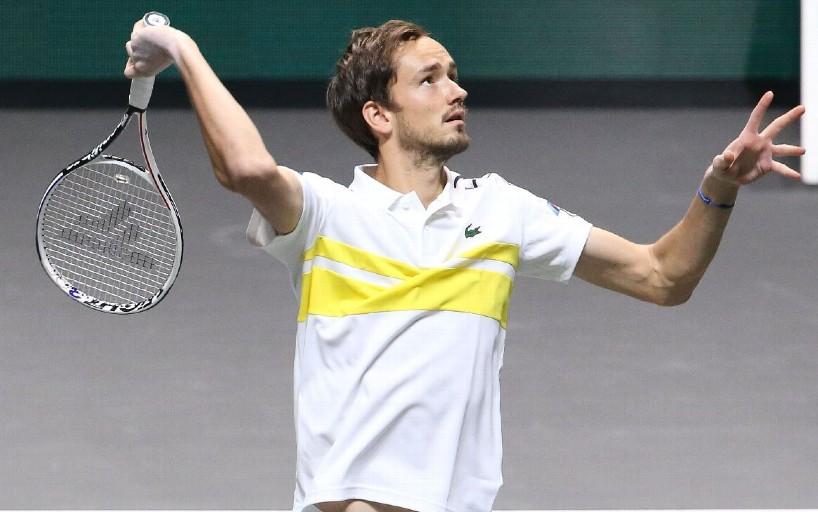 Даниил Медведев тренируется с Рафаэлем Надалем в Монте-Карло