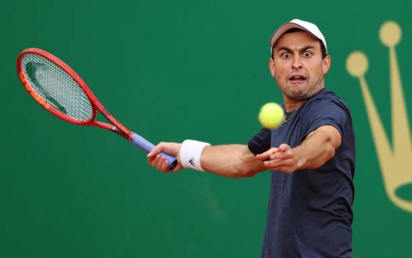 Аслан Карацев успешно стартовал в Монте-Карло