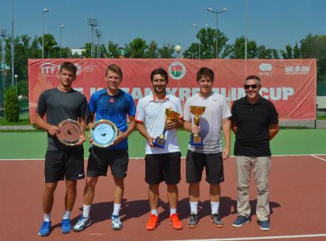 Победители парного турнира ITF в Казани