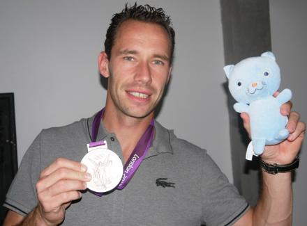 Микаэль Льодра с медалью Олимпийских игр 2012 года