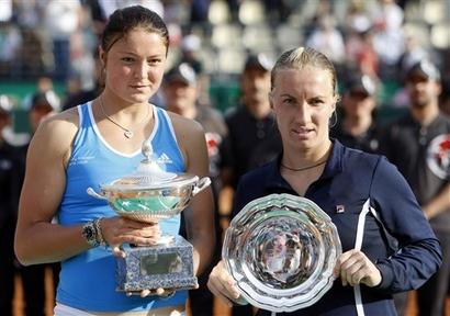 Фото: АР. Чемпионка и финалистка Internazionali BNL d'Italia-2009 Динара Сафина и Светлана Кузнецова