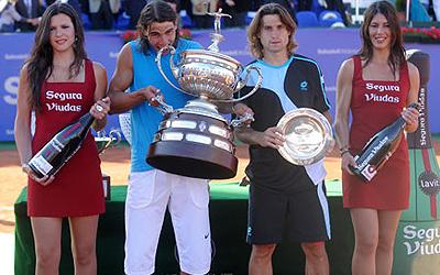 Фото: www.barcelonaopenbancosabadell.com. В прошлогоднем финале Рафа победил Давида